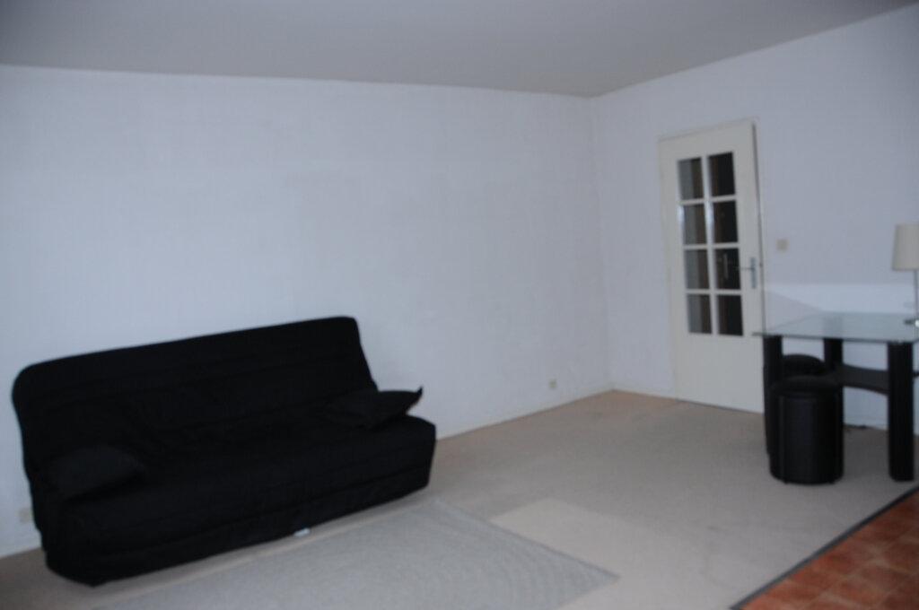 Appartement à louer 1 29.23m2 à Périgueux vignette-2