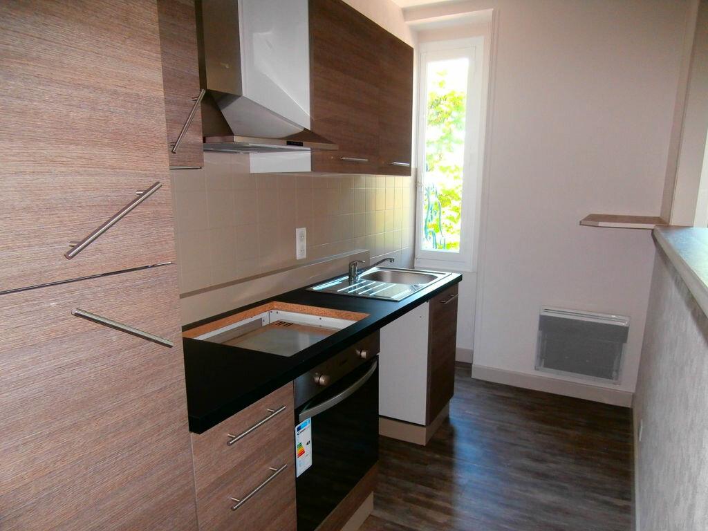 Appartement à louer 3 56.56m2 à Terrasson-Lavilledieu vignette-1