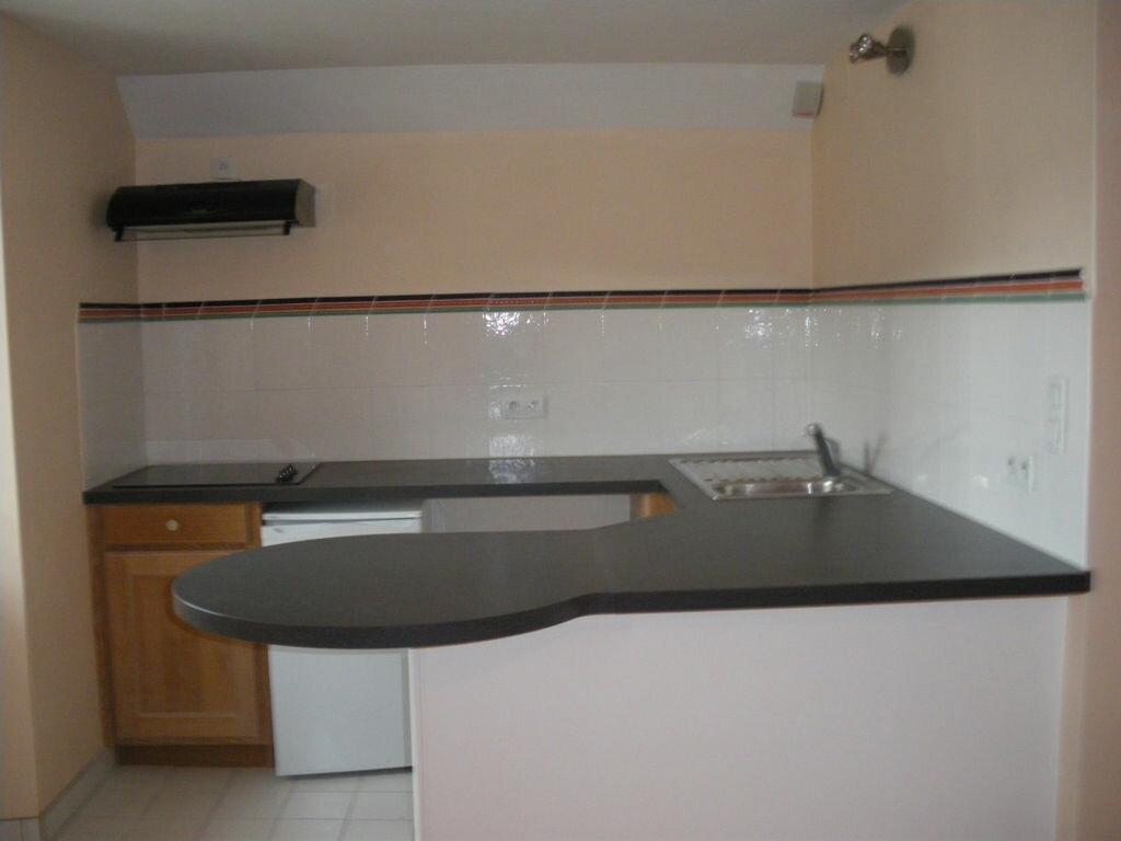 Appartement à louer 1 27m2 à Terrasson-Lavilledieu vignette-1