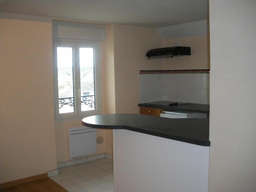 Appartement à louer 1 27m2 à Terrasson-Lavilledieu vignette-3