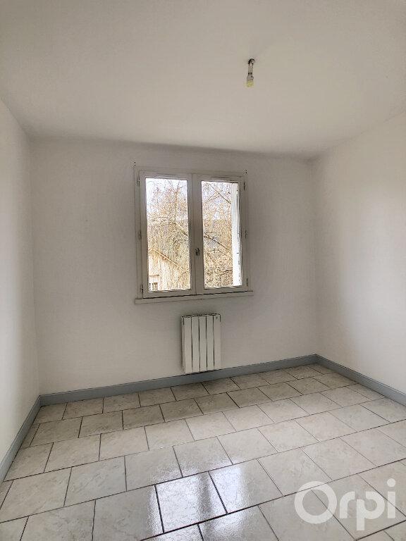 Appartement à louer 3 64.64m2 à Terrasson-Lavilledieu vignette-4