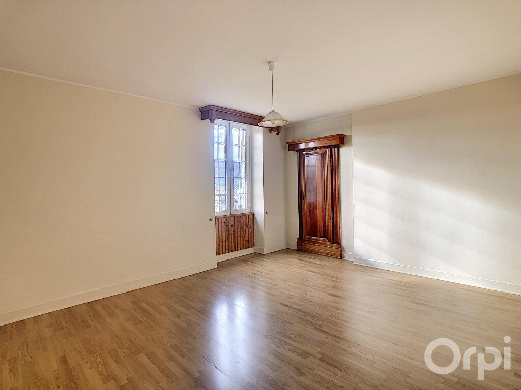 Appartement à louer 3 71m2 à Le Lardin-Saint-Lazare vignette-4