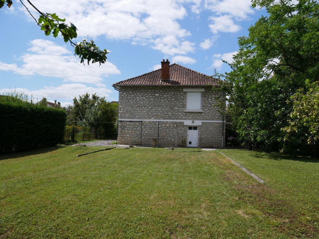 Maison à louer 4 90m2 à Terrasson-Lavilledieu vignette-3