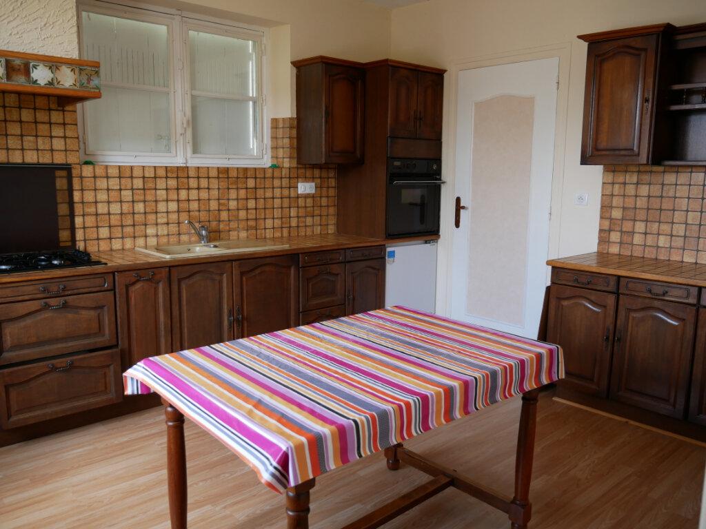 Maison à louer 4 90m2 à Terrasson-Lavilledieu vignette-4