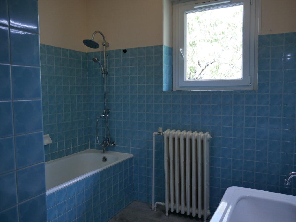 Maison à louer 4 90m2 à Terrasson-Lavilledieu vignette-6