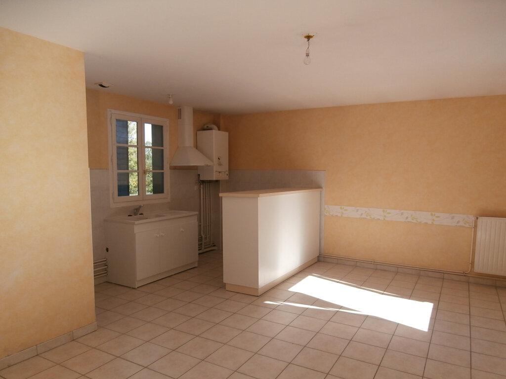 Appartement à louer 3 74m2 à Terrasson-Lavilledieu vignette-1
