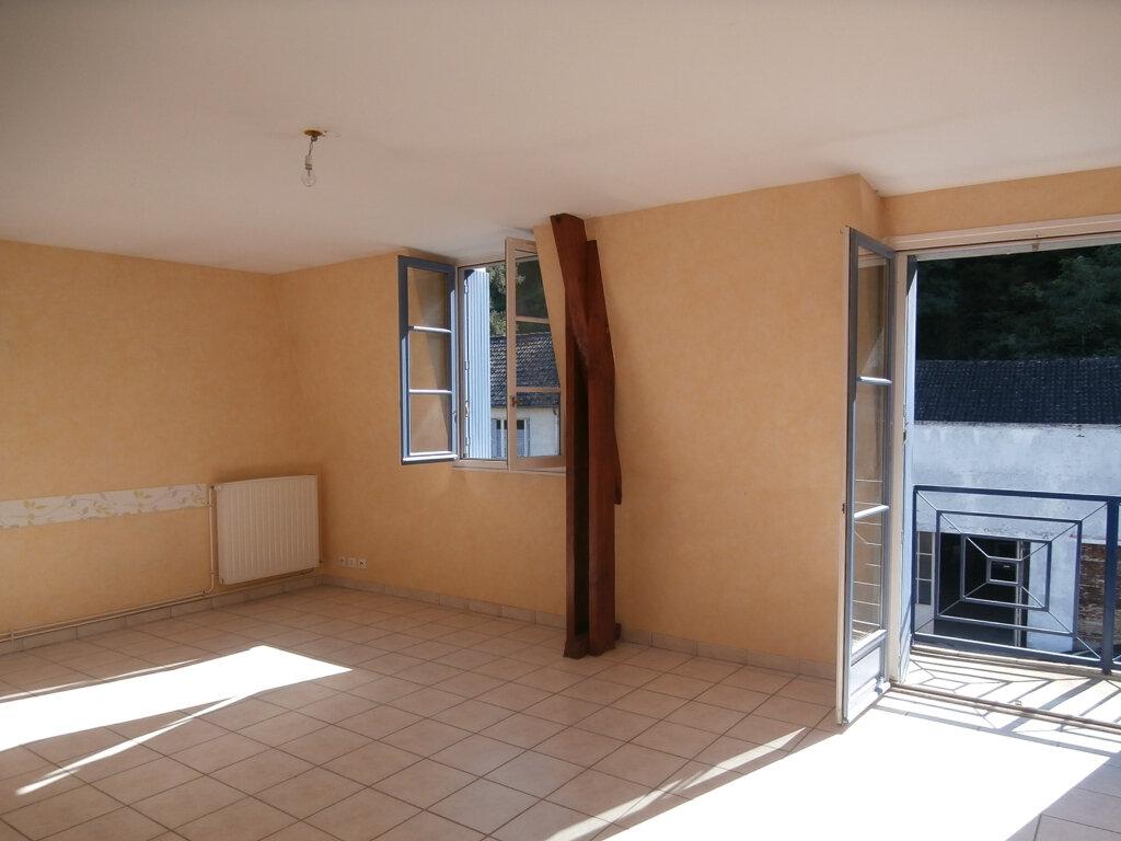 Appartement à louer 3 74m2 à Terrasson-Lavilledieu vignette-2