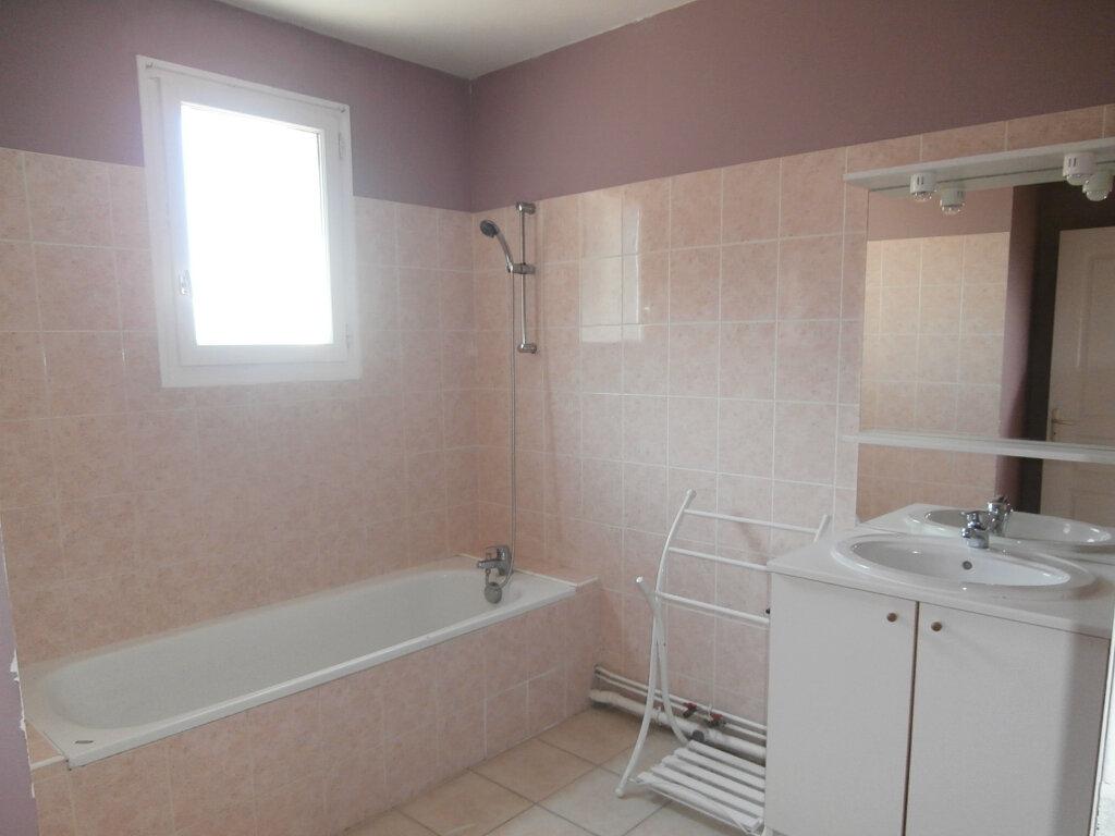 Appartement à louer 3 74m2 à Terrasson-Lavilledieu vignette-3