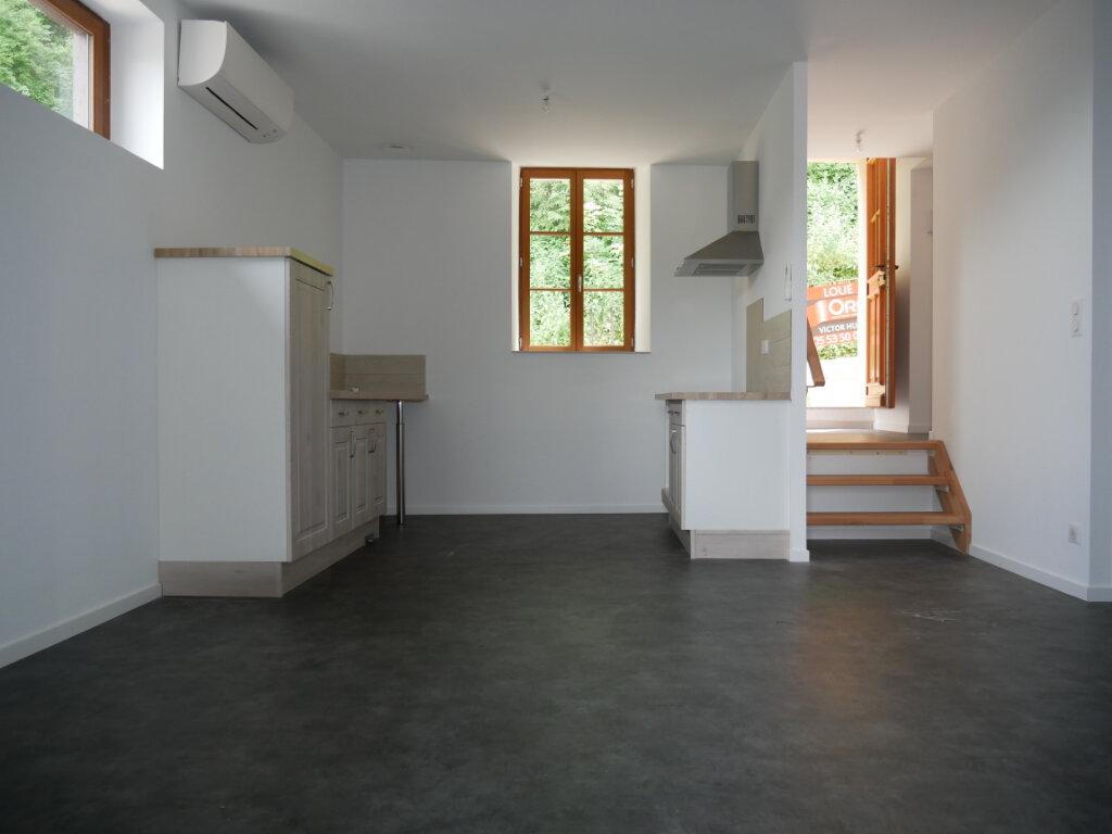 Appartement à louer 3 58m2 à Terrasson-Lavilledieu vignette-1