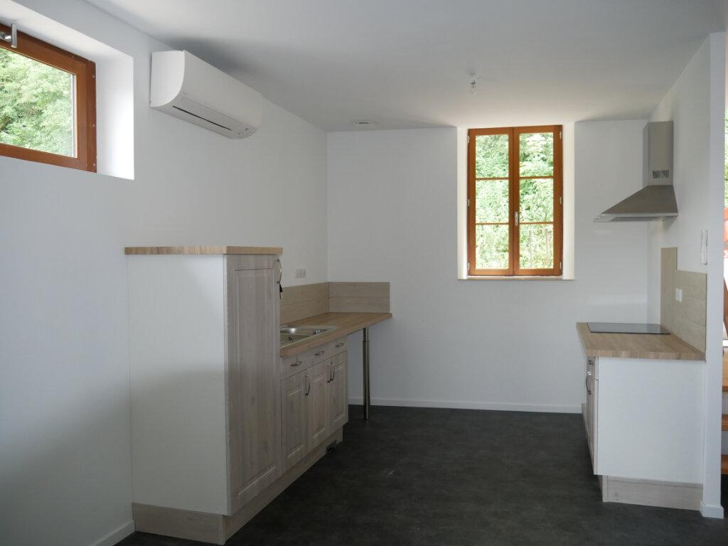 Appartement à louer 3 58m2 à Terrasson-Lavilledieu vignette-2