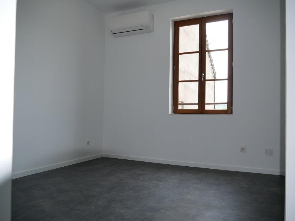 Appartement à louer 3 58m2 à Terrasson-Lavilledieu vignette-8