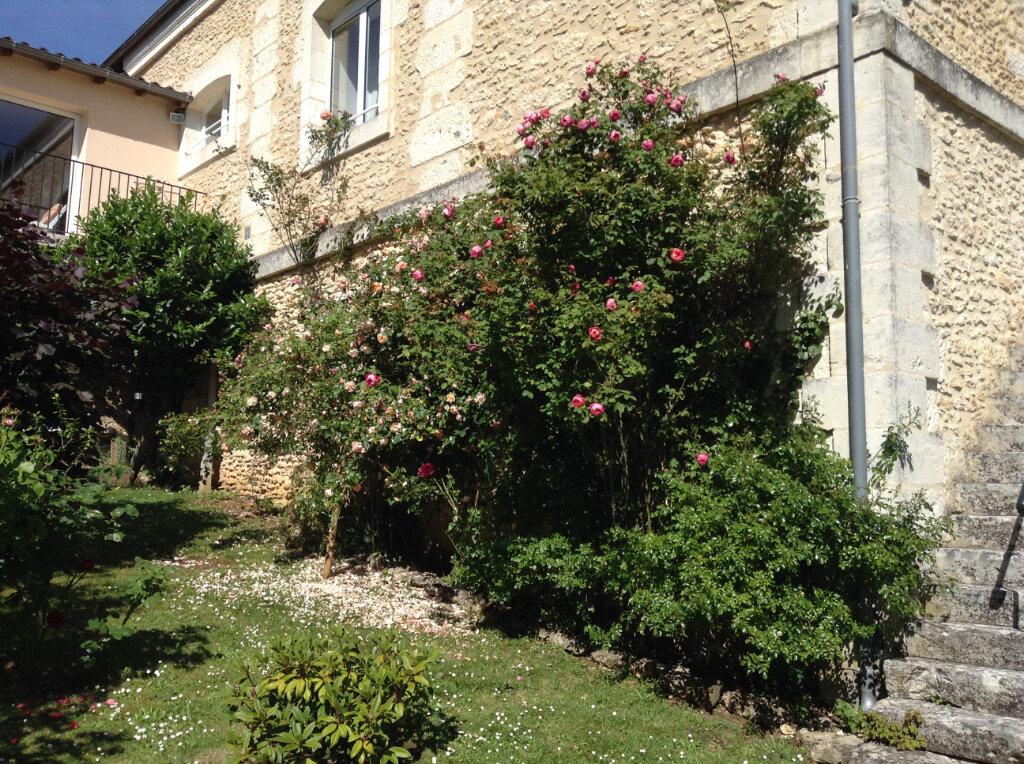 Maison à vendre 6 165m2 à Rouffignac-Saint-Cernin-de-Reilhac vignette-1