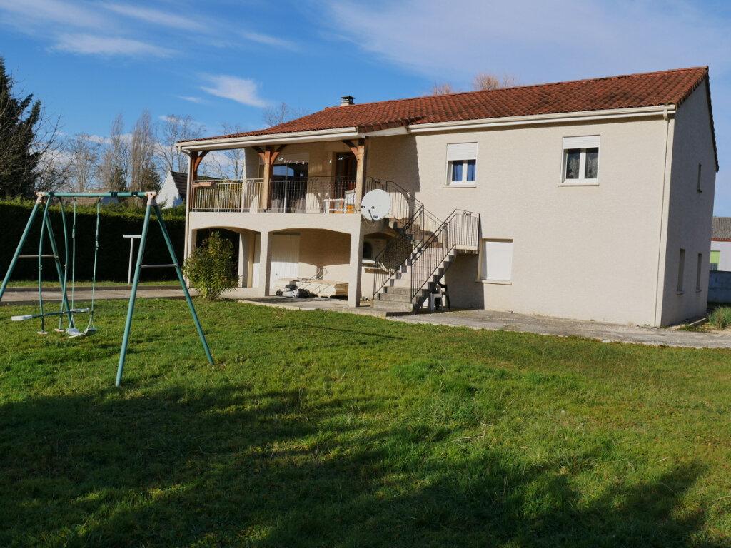 Maison à vendre 5 120m2 à Terrasson-Lavilledieu vignette-4