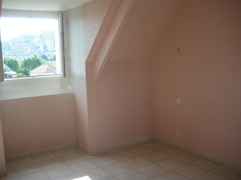 Appartement à louer 2 56m2 à Terrasson-Lavilledieu vignette-4