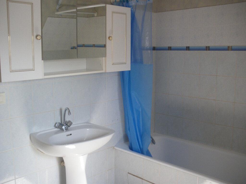 Appartement à louer 2 56m2 à Terrasson-Lavilledieu vignette-5