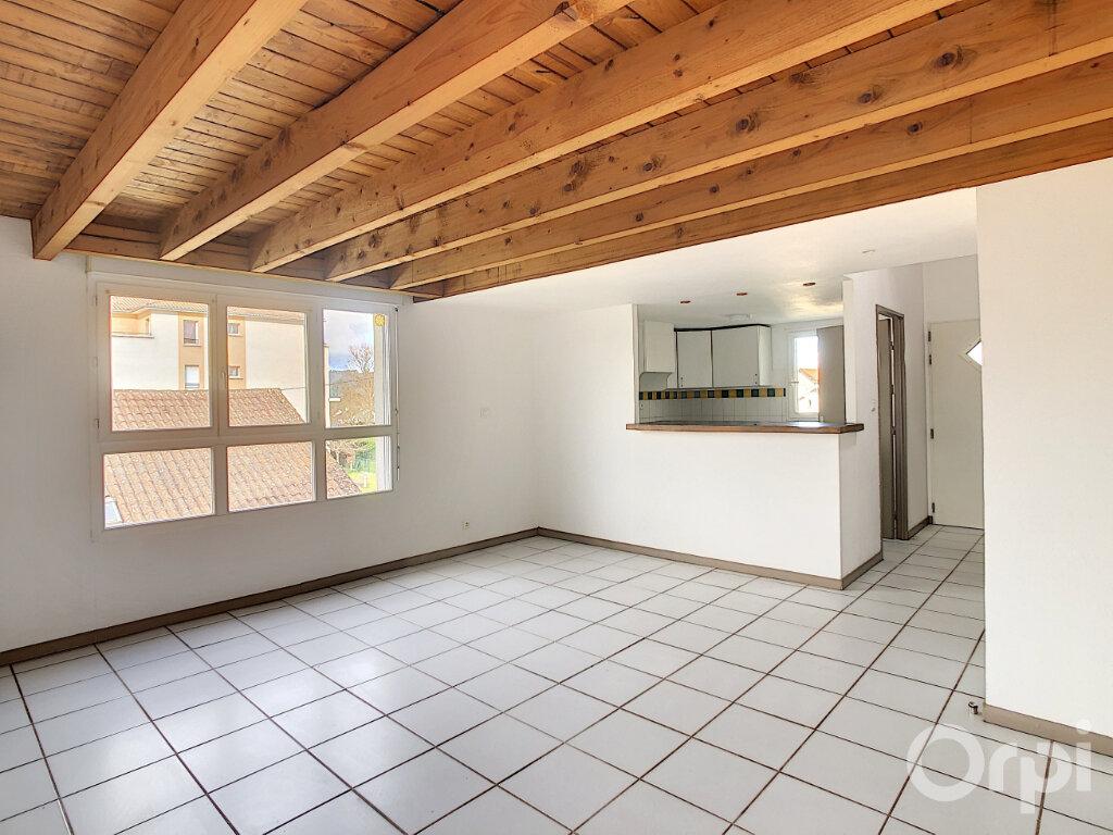 Appartement à louer 4 81m2 à Terrasson-Lavilledieu vignette-1