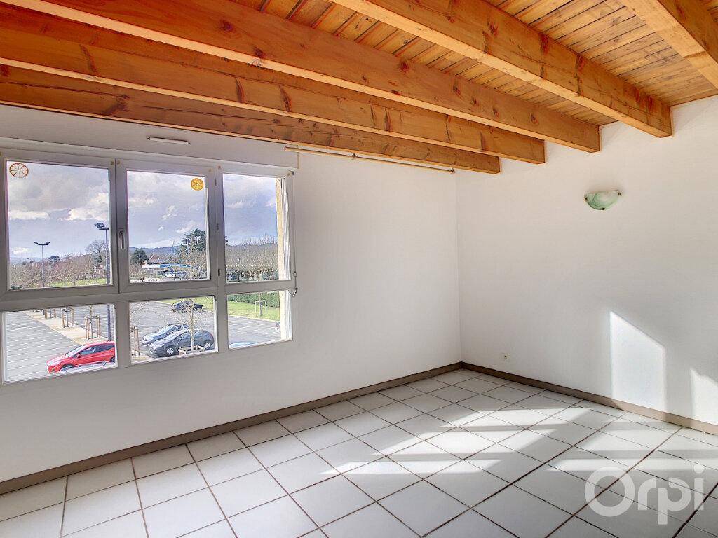 Appartement à louer 4 81m2 à Terrasson-Lavilledieu vignette-5