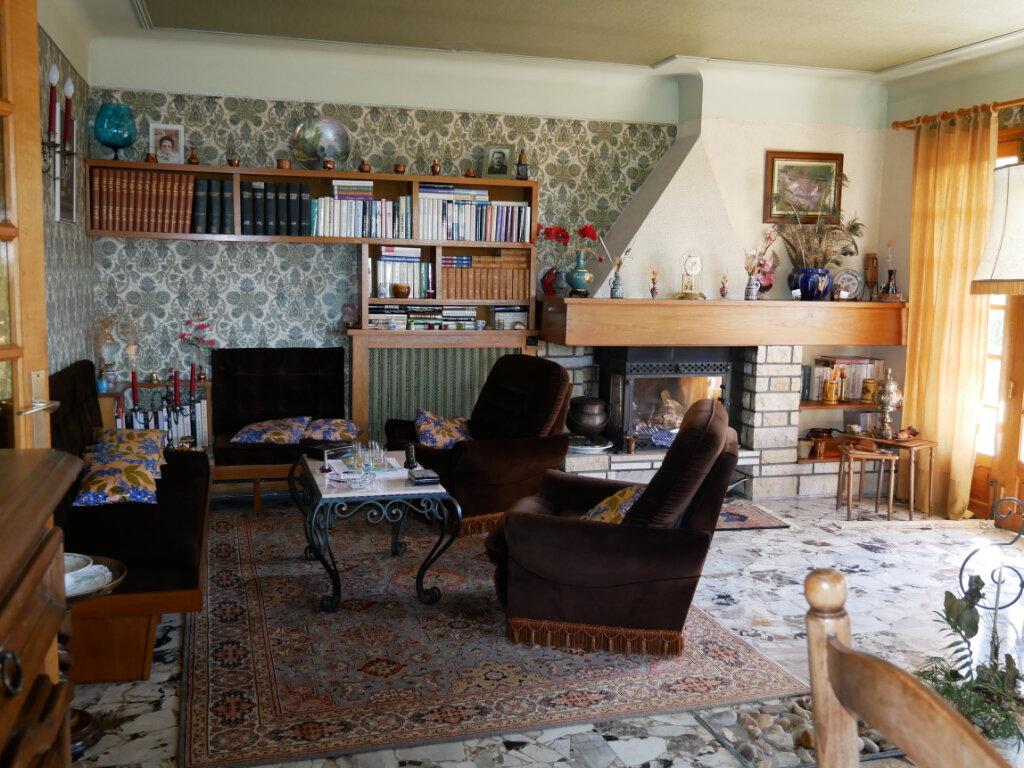 Maison à vendre 8 150m2 à Terrasson-Lavilledieu vignette-6