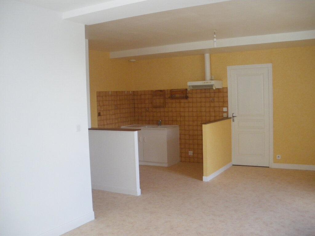 Appartement à louer 3 69m2 à Terrasson-Lavilledieu vignette-2