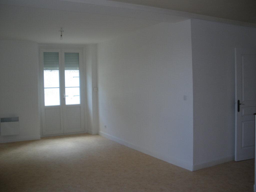 Appartement à louer 3 69m2 à Terrasson-Lavilledieu vignette-4