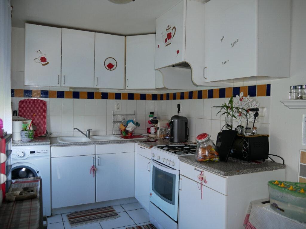 Appartement à louer 2 63.9m2 à Terrasson-Lavilledieu vignette-3