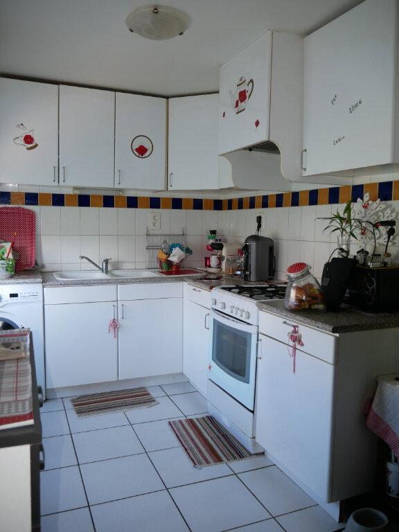 Appartement à louer 2 63.9m2 à Terrasson-Lavilledieu vignette-4