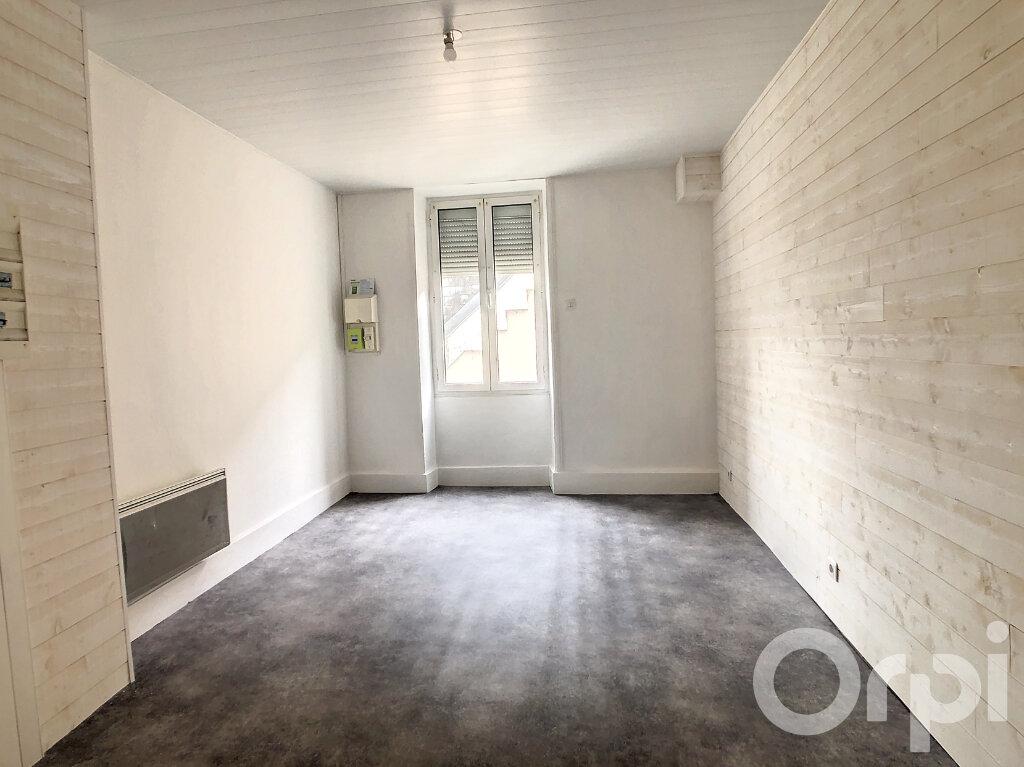 Appartement à louer 3 70m2 à Terrasson-Lavilledieu vignette-2