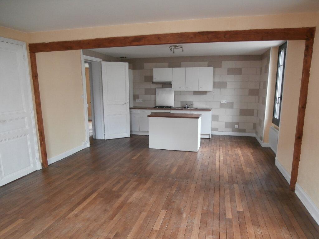 Appartement à louer 4 113m2 à Terrasson-Lavilledieu vignette-1