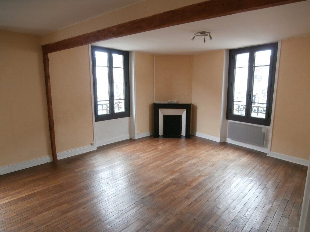Appartement à louer 4 113m2 à Terrasson-Lavilledieu vignette-2