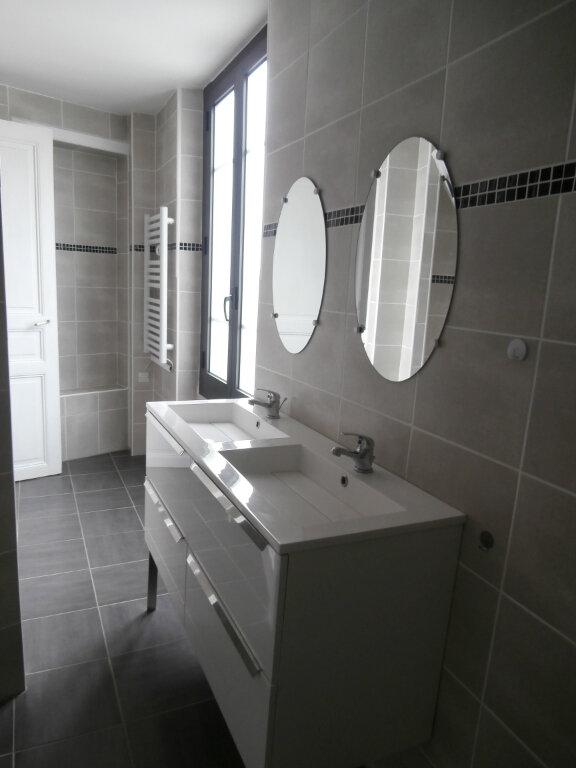 Appartement à louer 4 113m2 à Terrasson-Lavilledieu vignette-3