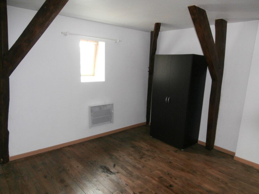 Appartement à louer 4 113m2 à Terrasson-Lavilledieu vignette-5