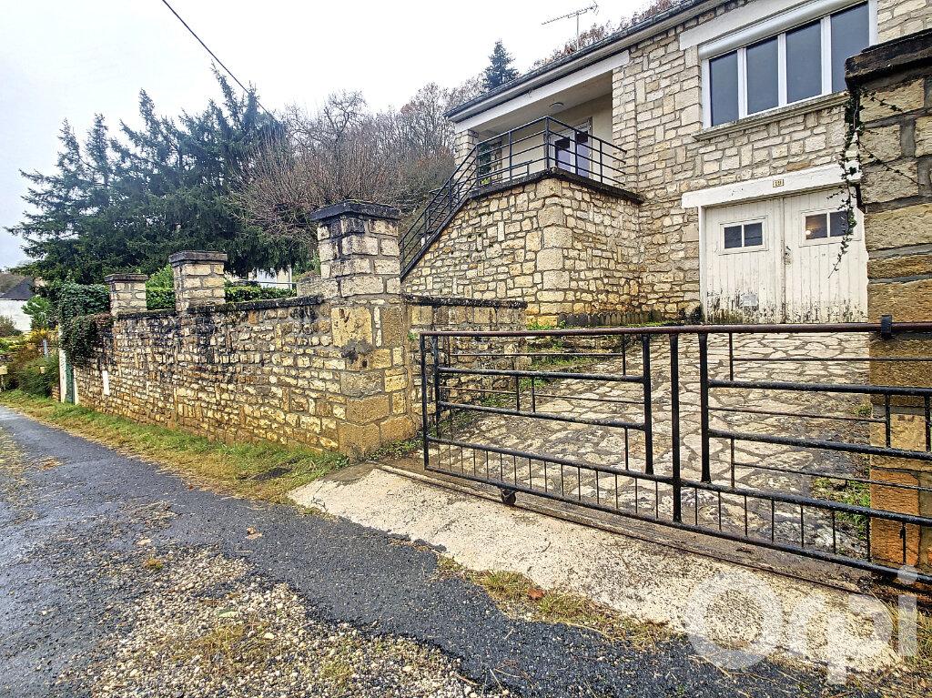 Maison à louer 3 81.89m2 à Montignac vignette-1