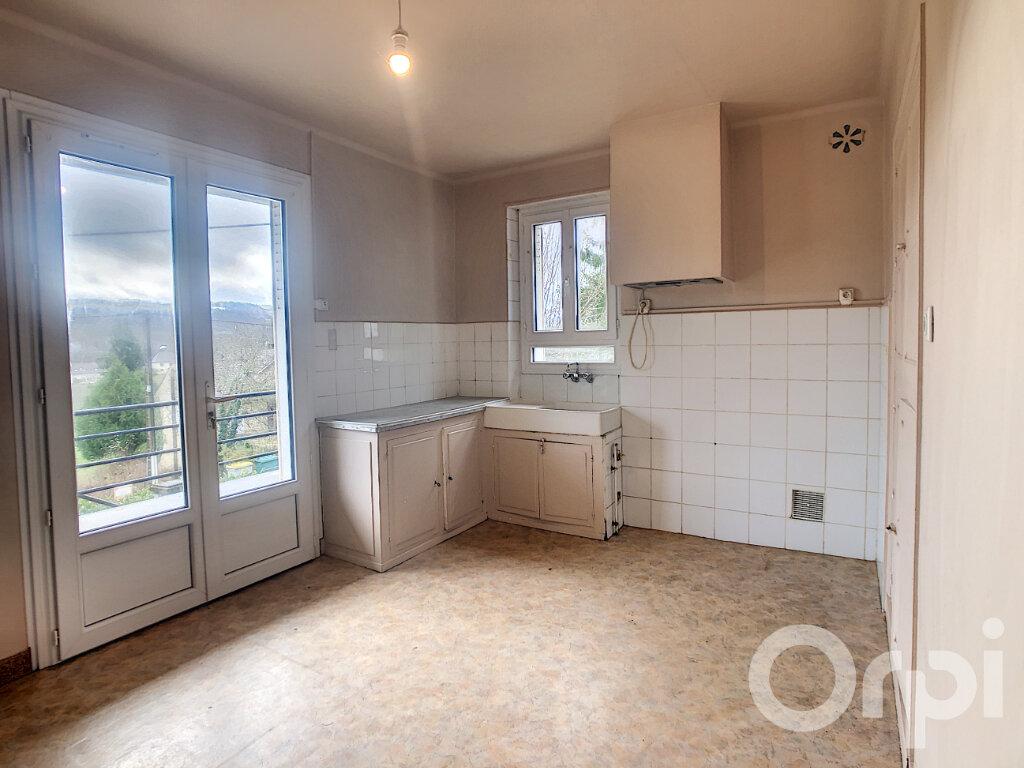 Maison à louer 3 81.89m2 à Montignac vignette-4