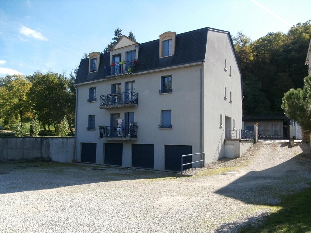 Appartement à louer 3 75m2 à Terrasson-Lavilledieu vignette-1
