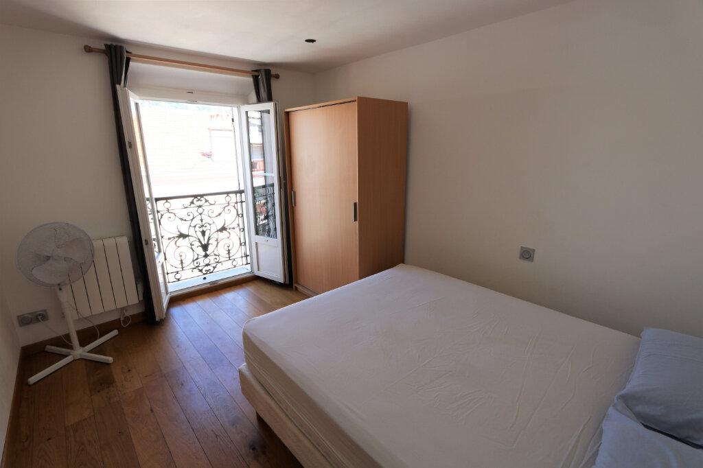 Appartement à louer 2 34m2 à Cannes vignette-4