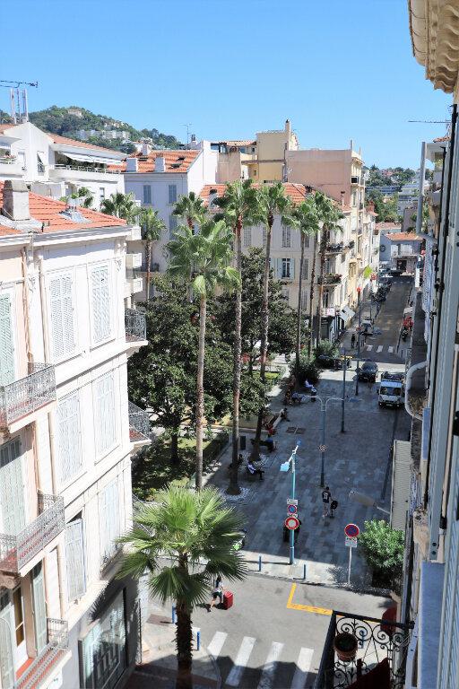 Appartement à louer 2 34m2 à Cannes vignette-6