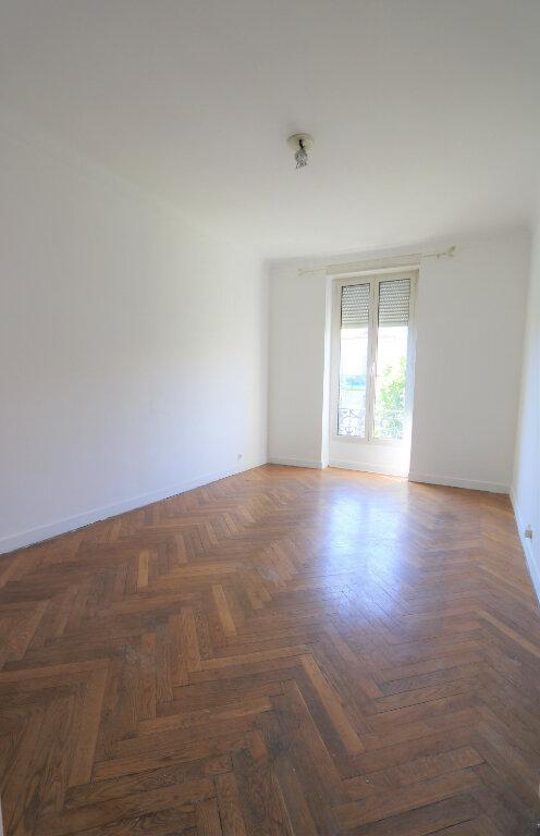 Appartement à louer 3 75.49m2 à Nice vignette-3