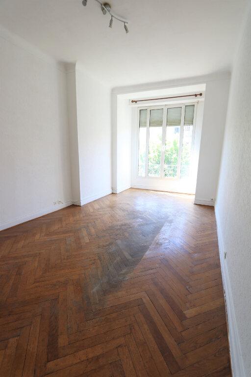 Appartement à louer 3 75.49m2 à Nice vignette-6