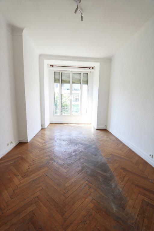 Appartement à louer 3 75.49m2 à Nice vignette-7