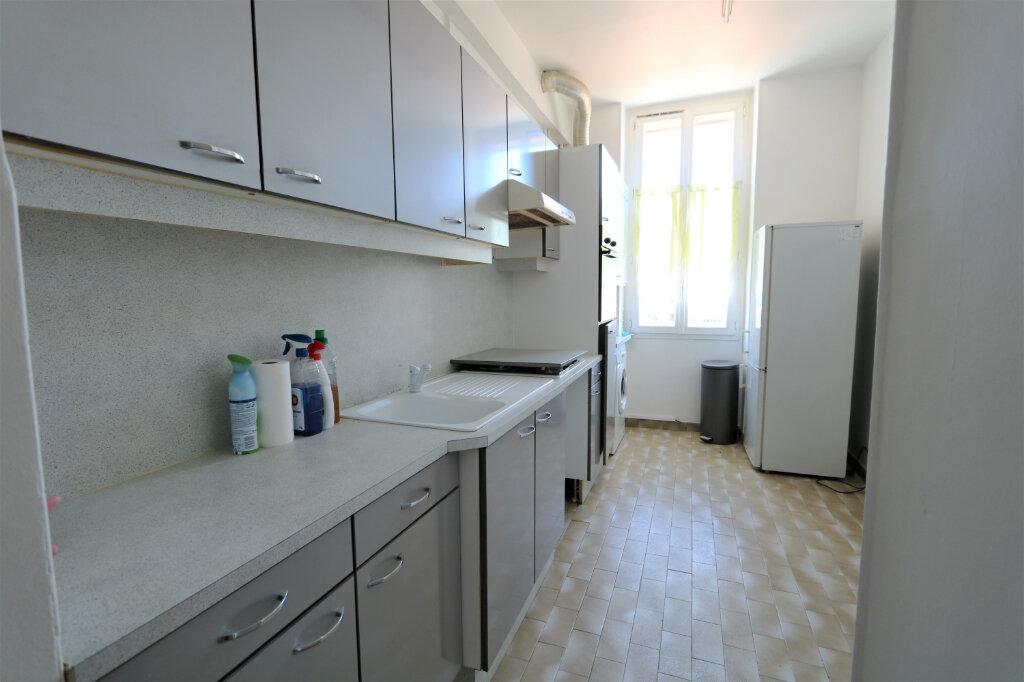 Appartement à louer 3 75.49m2 à Nice vignette-8