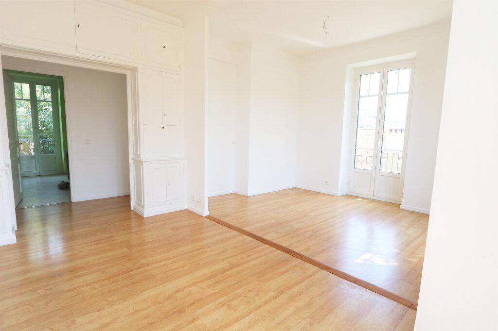 Appartement à louer 3 74.76m2 à Nice vignette-2
