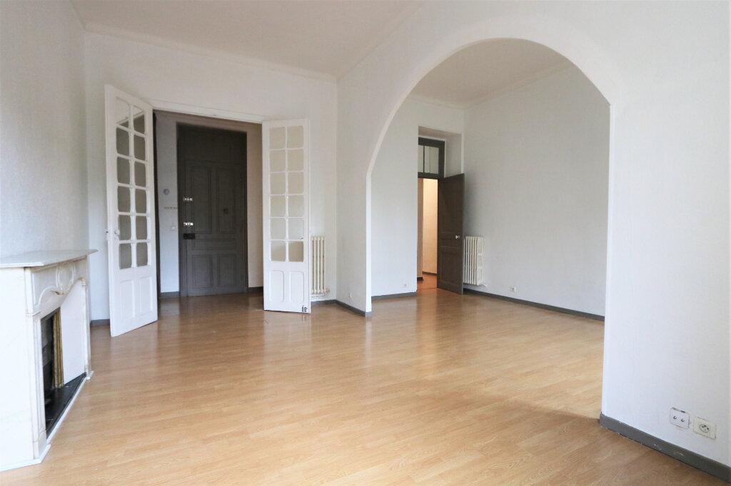 Appartement à louer 4 82m2 à Nice vignette-3