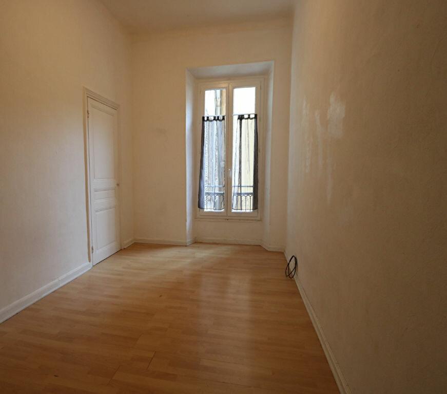 Appartement à louer 4 82m2 à Nice vignette-6