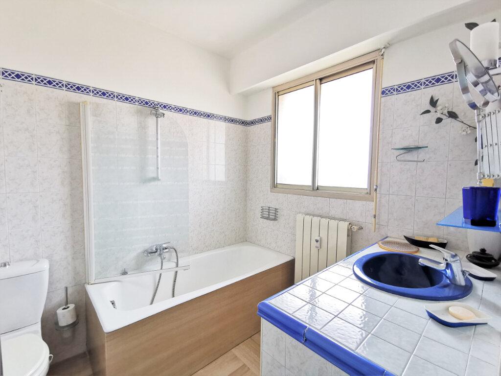 Appartement à louer 1 34m2 à Nice vignette-4