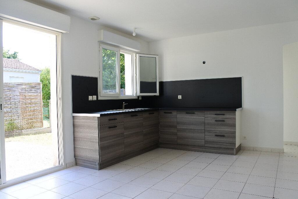 Maison à vendre 4 85m2 à Breuillet vignette-3