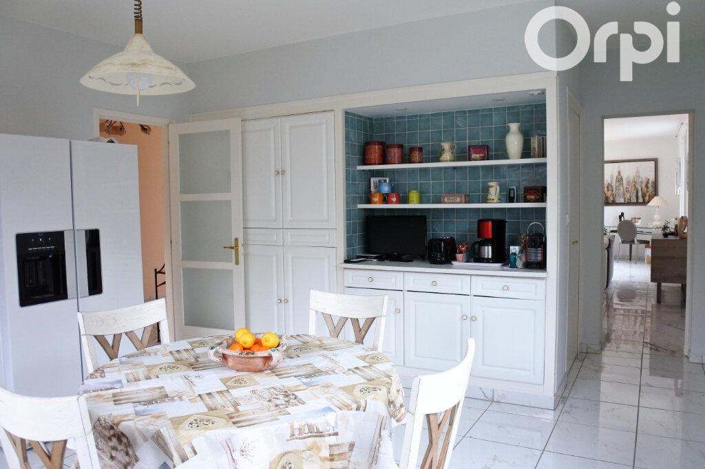 Maison à vendre 7 220m2 à Saint-Sulpice-de-Royan vignette-7