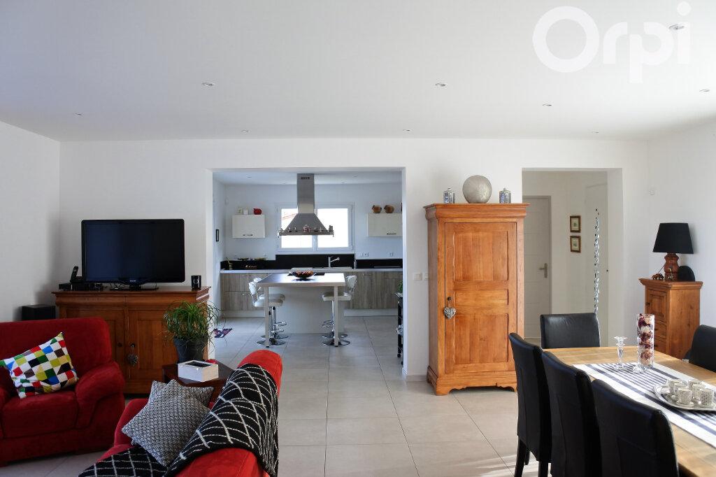 Maison à vendre 4 214m2 à Breuillet vignette-5