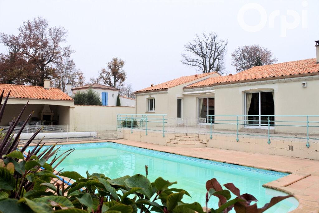 Maison à vendre 6 154m2 à Breuillet vignette-1