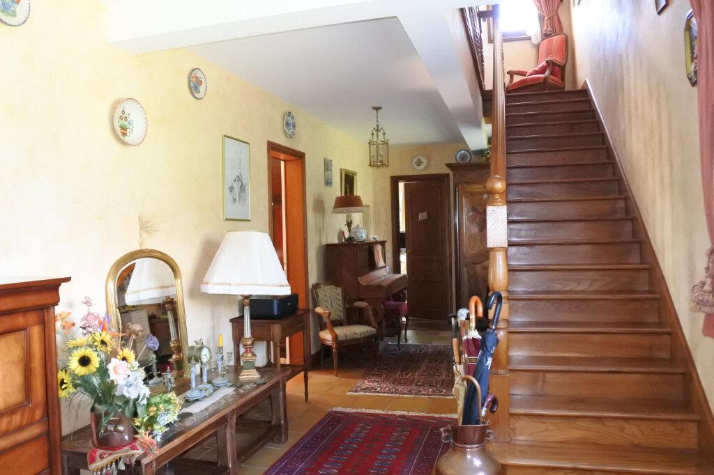 Maison à vendre 6 210m2 à Breuillet vignette-3