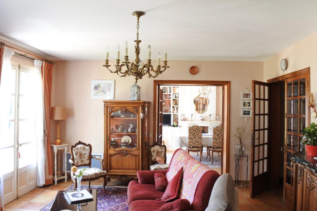 Maison à vendre 6 210m2 à Breuillet vignette-4